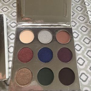 Kylie's Holiday Collection Eyeshadow Palette 2016